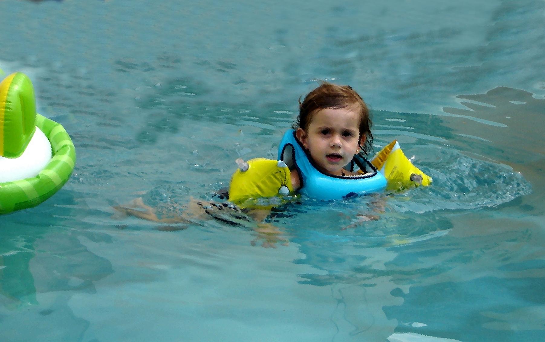 Adulto aprendendo a nadar