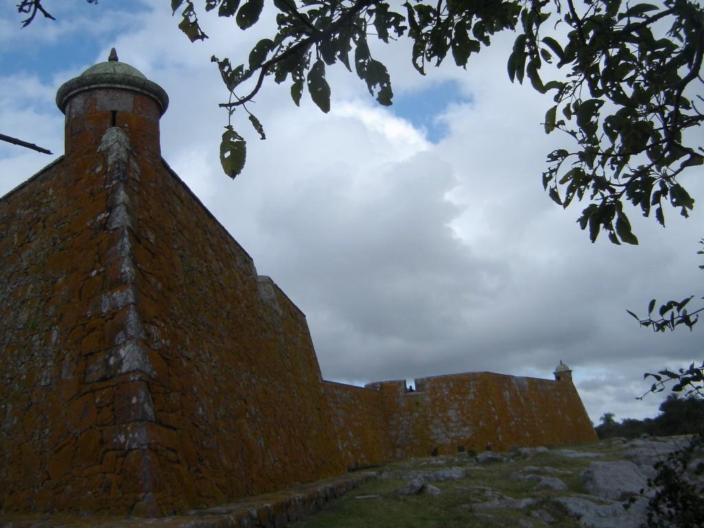 Forte São Miguel em outro ângulo