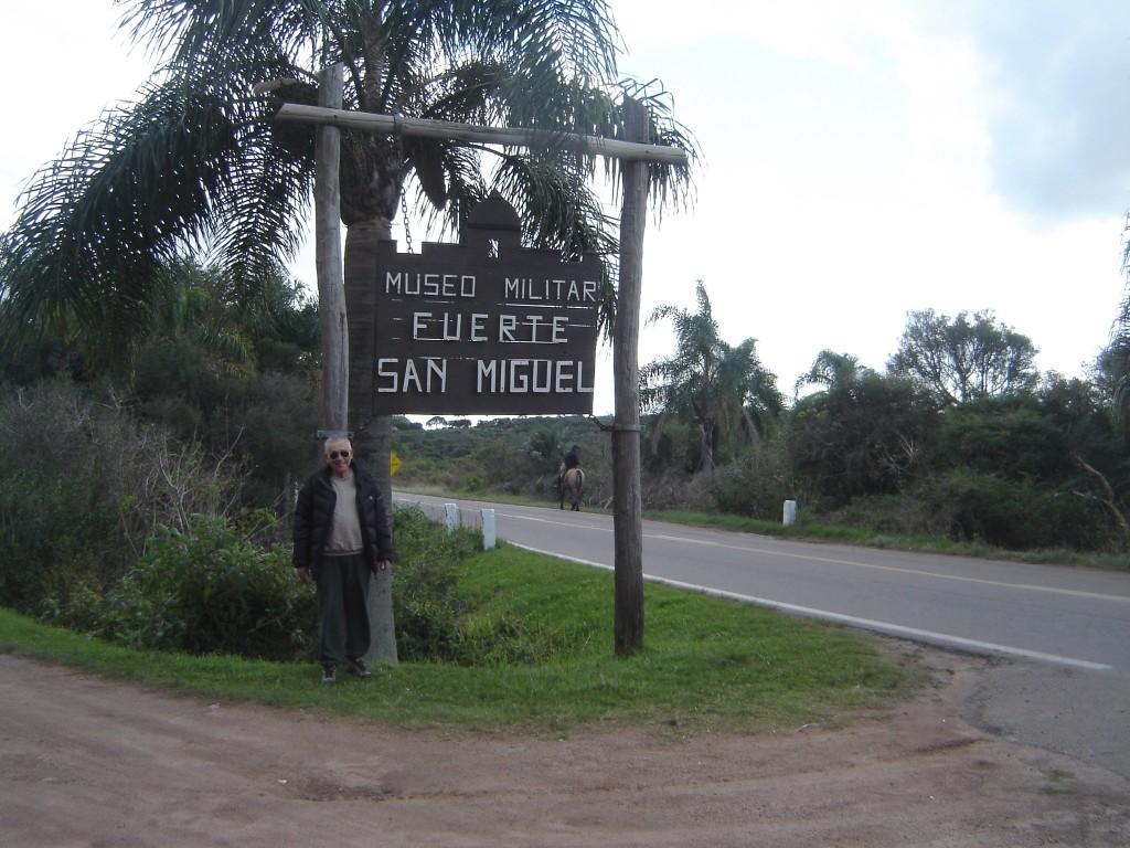 Liv na entrada do Forte São Miguel