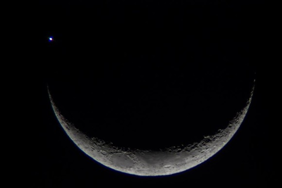 10-moon-venus-9-8-2013-near-occultation-santa-maria-rio-grande-do-sul-brazil-cristian-rubert-e1378735998883
