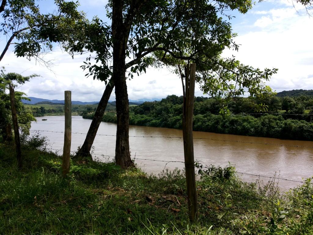 Rio Jacupiranga em Eldorado