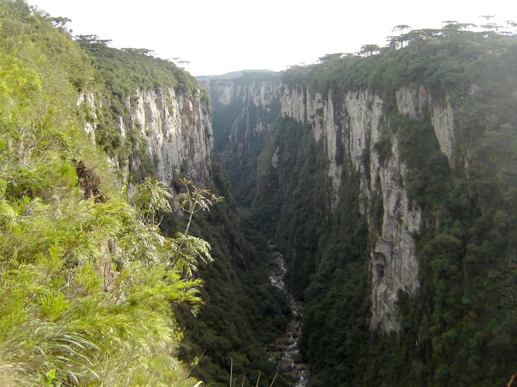 Canion Itaimbezinho com rio3