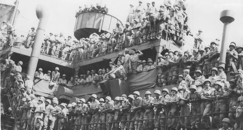 Força Wxpedicionária Brasileira regresso da Segunda Guerra a bordo do navio Pedro II