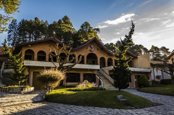 mosteiro-de-são-joao-campos-do-jordao2-1024x678