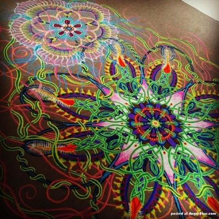 Unusual_paintings_made_of_colored_sand_Joe_Mangrum_2